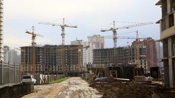Первая москвичка получила документы на квартиру по программе реновации