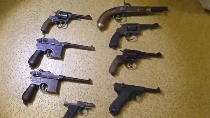 Смастерили даже пушку: В Ростовской области накрыли филиал банды подпольных оружейников [видео]