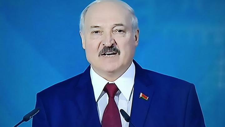 Ввести ЧП по всей Белоруссии: На фоне акций протеста в Минске политолог сдал заявление источника