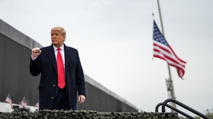 Трампу отрезали доступ к военным? С речью к военнослужащим выступит вице-президент США - источник