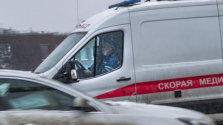 Скорая забрала с Тюменского тракта голого мужчину, бросавшегося на машины
