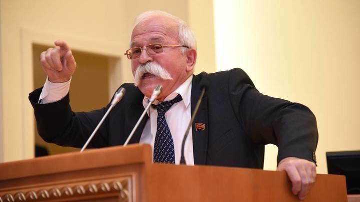 Сквернослов и должник: В донском парламенте депутату-скандалисту запретили выступать