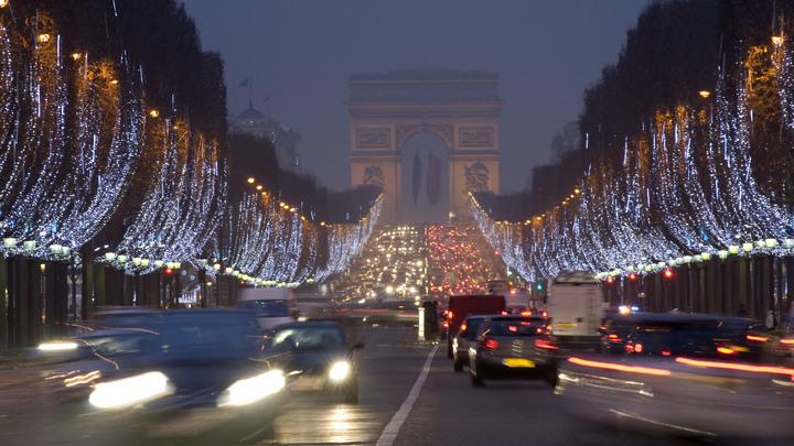 Парижане надеются спасти экологию бесплатным общественным транспортом