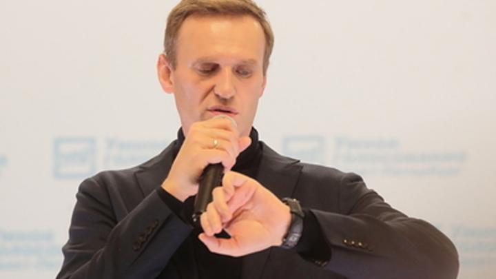 Навальный увидел в отсрочке обращения Путина личный мотив: Специально тянет