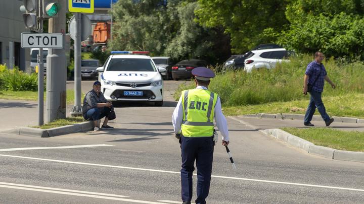 В Ростове бывший инспектор ДПС за взятку отпустил пьяного водителя