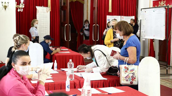 В Краснодарском крае во второй день голосования явка избирателей на 15:00 составила 33,4%
