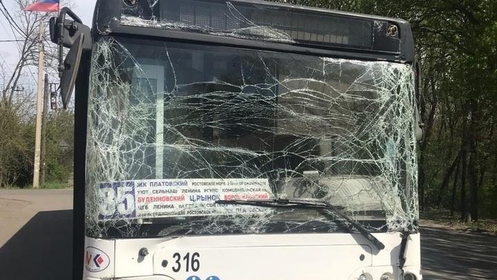 В Ростове произошло массовое ДТП с участием автобусов: Не смог затормозить