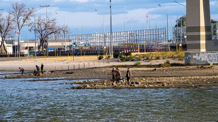В Ростове жители низовки на Западном превратили Дон в сточную канаву для нечистот