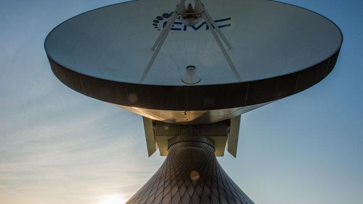 Российские системы слежения зафиксировали массовые передвижения военных спутников США