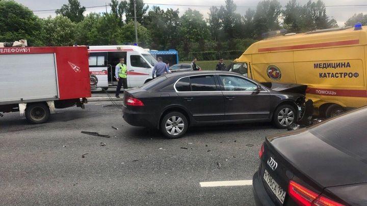 Массовая авария на Кутузовском парализовала движение на западе Москвы