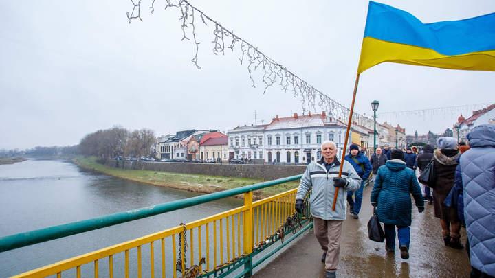 Убейте, расстреляйте…только оставьте моих детей: Заразившая соседей COVID-19 украинка обратилась к землякам