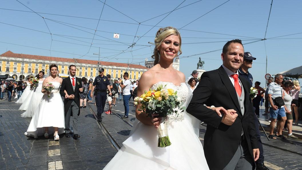 В Москве разрешили жениться в галерее имени Ильи Глазунова