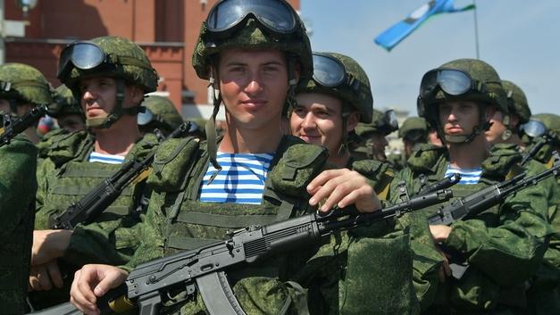 Не служил – не мужик: За что и почему граждане России снова полюбили армию