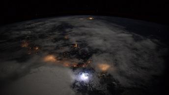 Космонавты поспорили с уфологами об НЛО над Корейским полуостровом