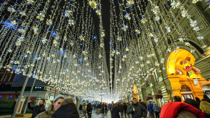 На Большой Покровской сделают световой потолок из гирлянд за почти 11 млн рублей