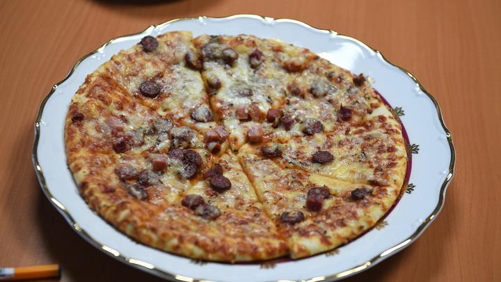 Коронавирус с доставкой на дом: На Ямале заражённый студент развозил пиццу