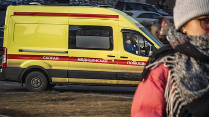 Круг сделал и упал сразу за забором: Очевидцы рассказали подробности крушения самолёта в Казахстане