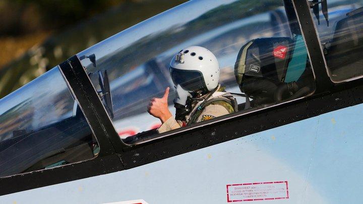 Просто это умная стратегия: заслуженный пилот о «наивных представлениях» американцев о Су-57