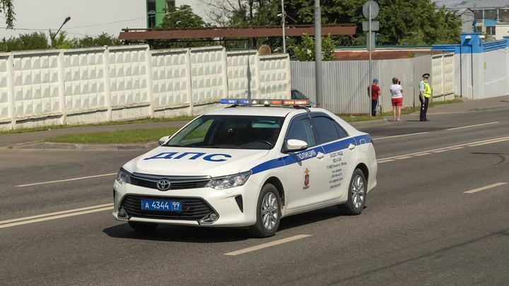 Пять человек пострадали при столкновении двух иномарок в Ростовской области
