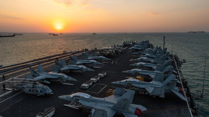 Он элементарно профнепригоден: Герой России напомнил послу США, кто способен топить американские авианосцы