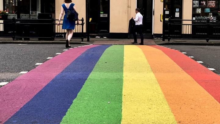Британский министр образования грозит не выпускать детей из школы без уроков о гомосексуальности