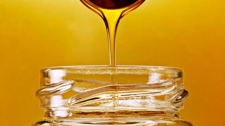 Может убить печень: В Медовый Спас врачи предупредили об опасности мёда