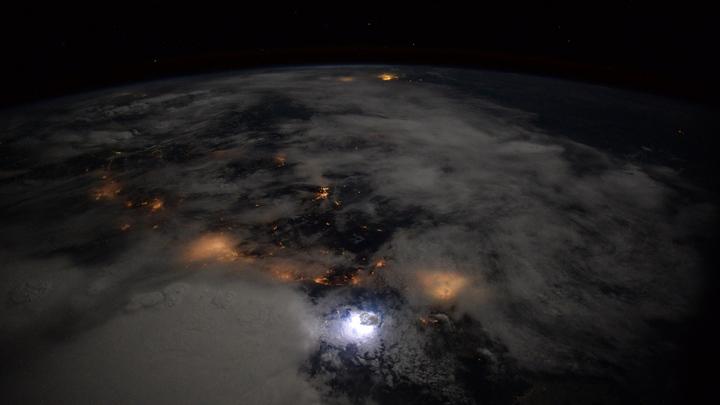 Роскосмос решил проблему мусора на орбите: Запатентован самоиспаряющийся спутник