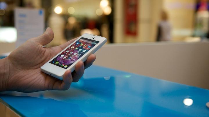 Телефоны нужно держать подальше от карточек и помад: Эксперт рассказал о последствиях