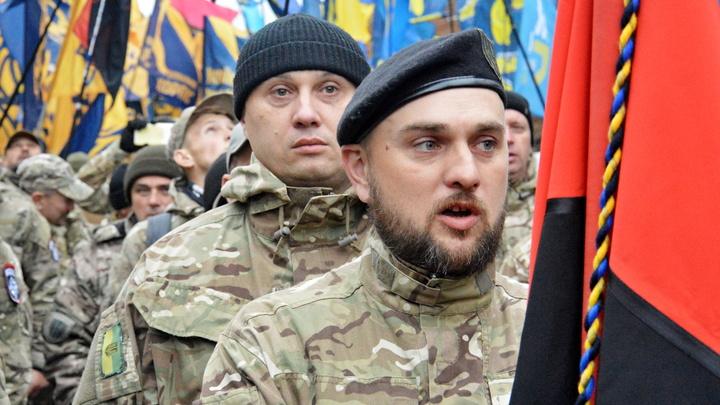 Укронацисты ликуют: Бандеровский флаг водрузили над Львовом