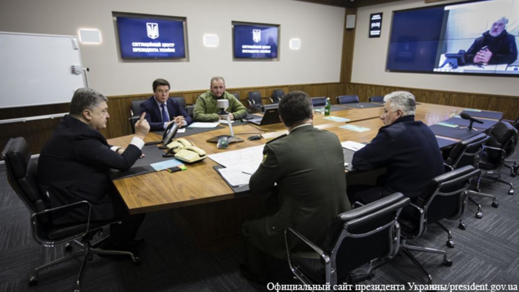 Порошенко винит в обстрелах Авдеевки Россию