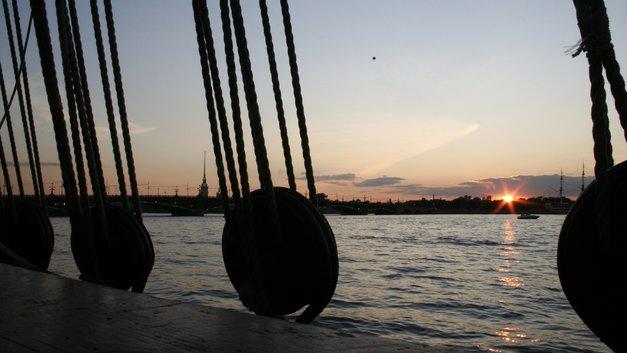 Ливни пополам с ветром: В МЧС предостерегли жителей Петербурга