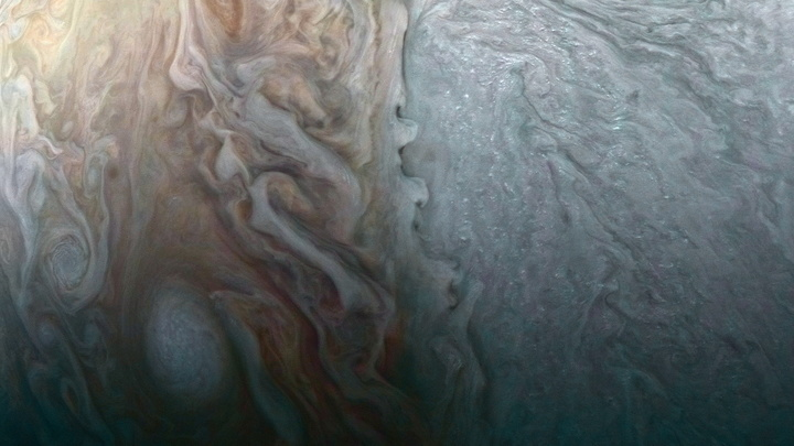 NASA разместило фотографии мордашки Юпитера